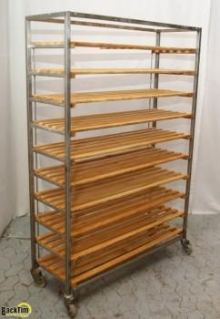 Réfrigérateur à pain en acier inoxydable avec étagères en bois