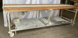 Table de travail avec tapis roulant
